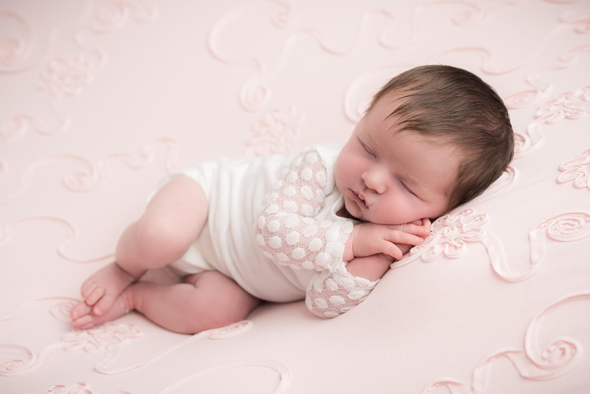 Newborn_baby_photographer_dudley_midlands_posing_on_blanket